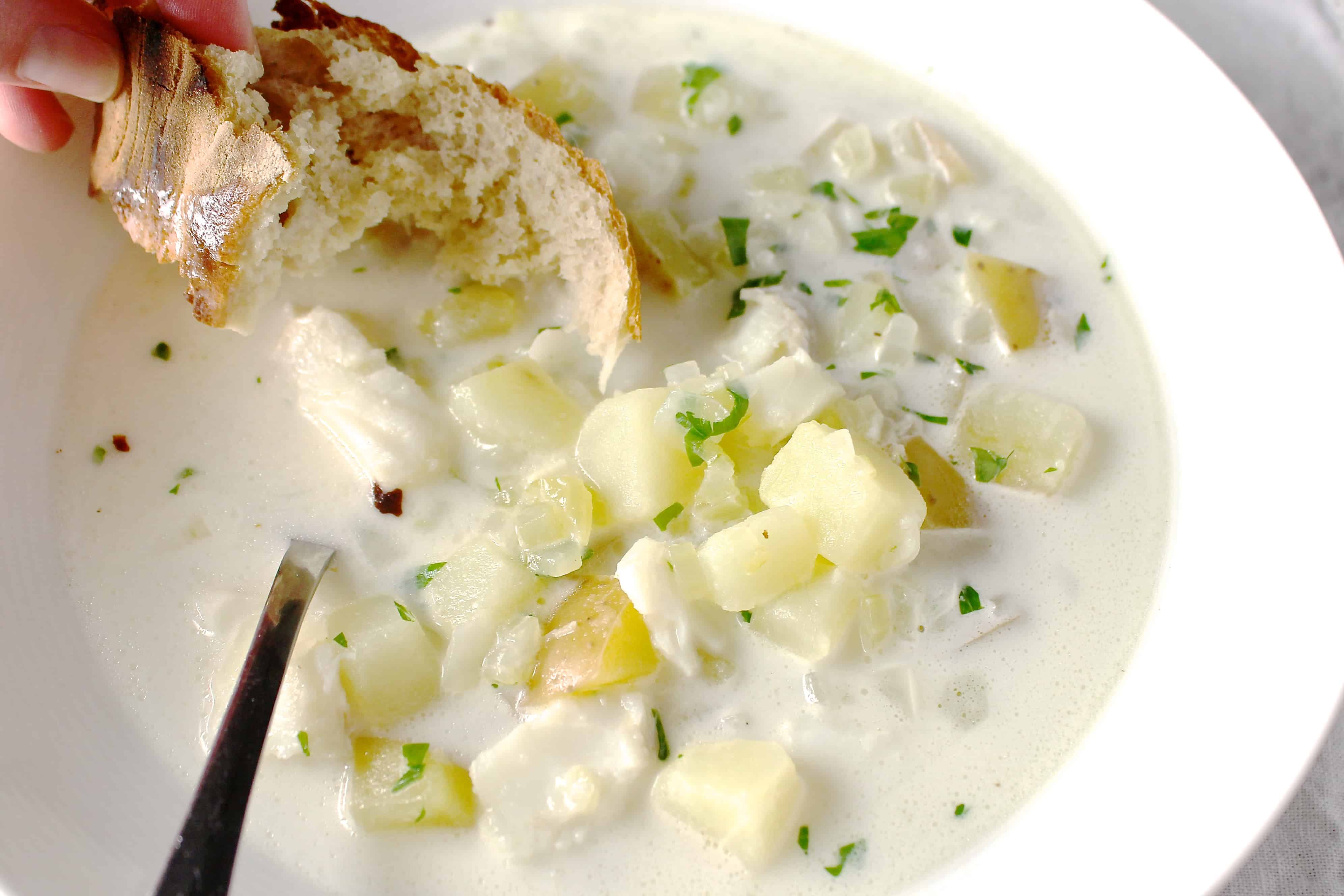 My mama 39 s fish chowder coley cooks for Easy fish chowder