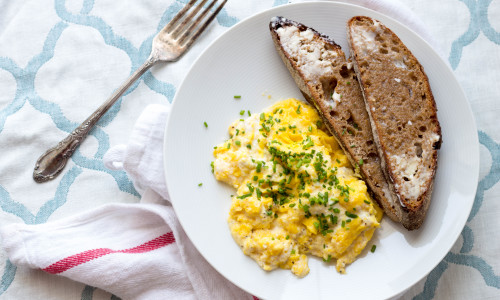 Slow Scrambled Eggs with Ricotta and Chives (Video!)