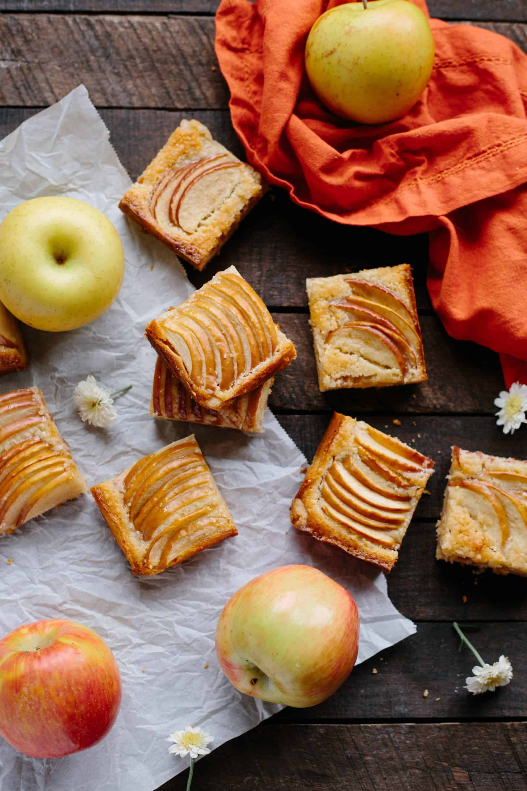 APPLE ALMOND SHORTBREAD BARS | Easy fall dessert recipe! Buttery shortbread crust with almond frangipane and tart apples baked in. #easy #fall #recipe #dessert #bars #cookies #apple #almond #frangipane | ColeyCooks.com
